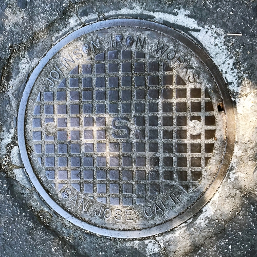 Photography: Manhole Cover - Johnson Iron Works 100517