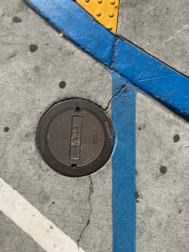 Photography: Street Photography - Ensnared Circle in Flatland