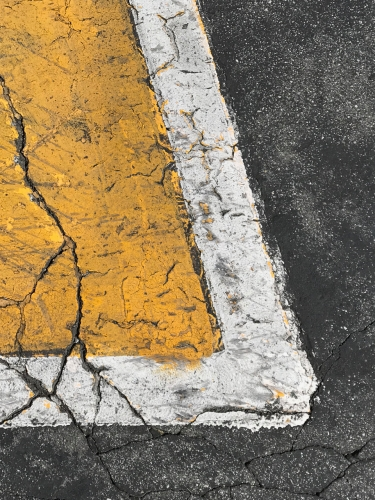Photography: Street Photography - Yellow Cracked Arrow