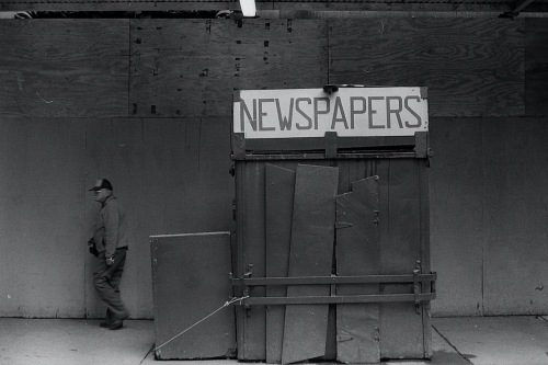 Photography: Vintage Photo: Newspaper Stand NYC 1990