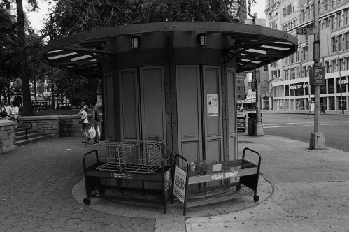 Photography: Vintage Photo: Newsstand at Union Square NYC 1991