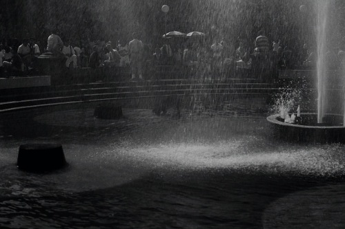 Photography: Vintage Photo: Fountain in Washington Square, NYC June 1988