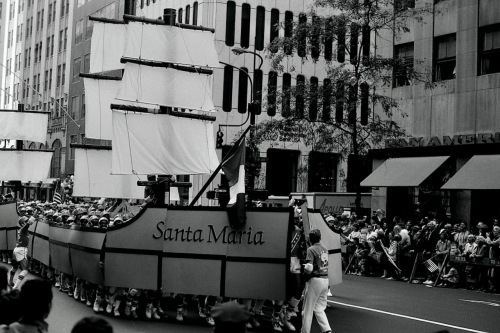 Photography: Vintage Photo: The Santa Maria on 5th Avenue, NYC 1988