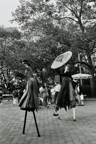 Photography: Vintage Photo: Stilt Walkers at Central Park, NYC 1988