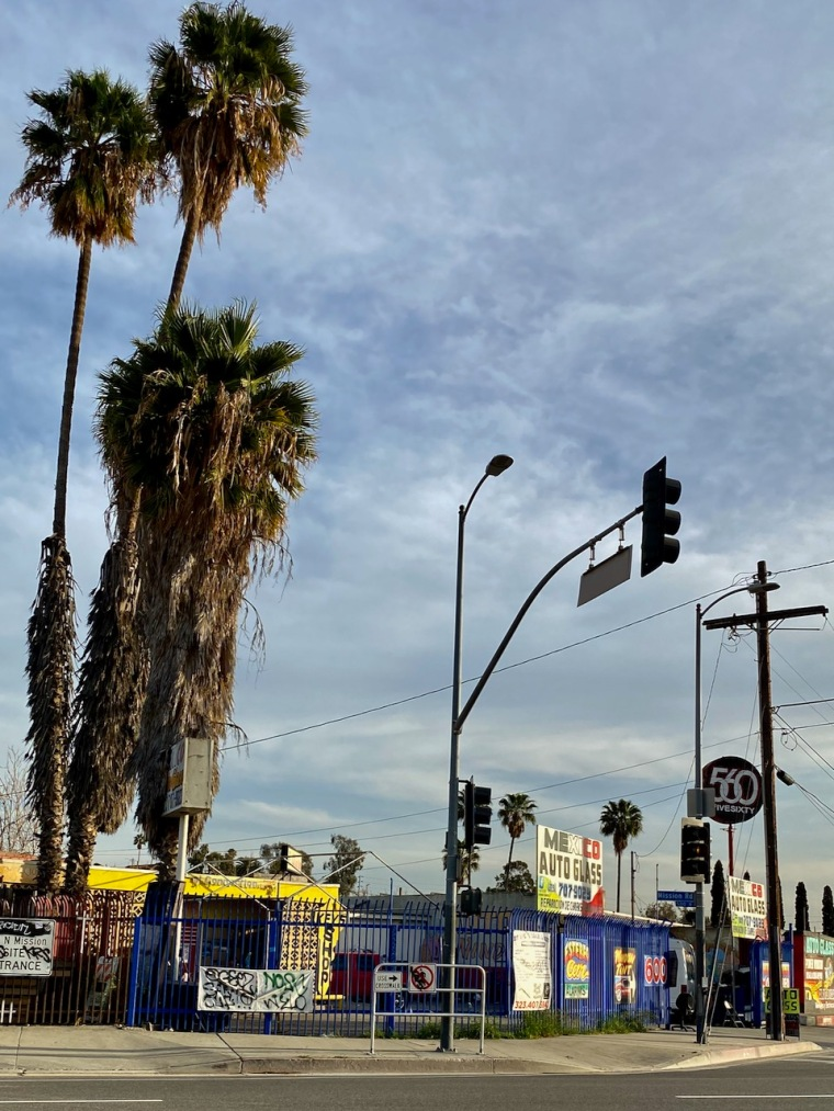 Street Photography: Autoglass Corner (and Graffiti)