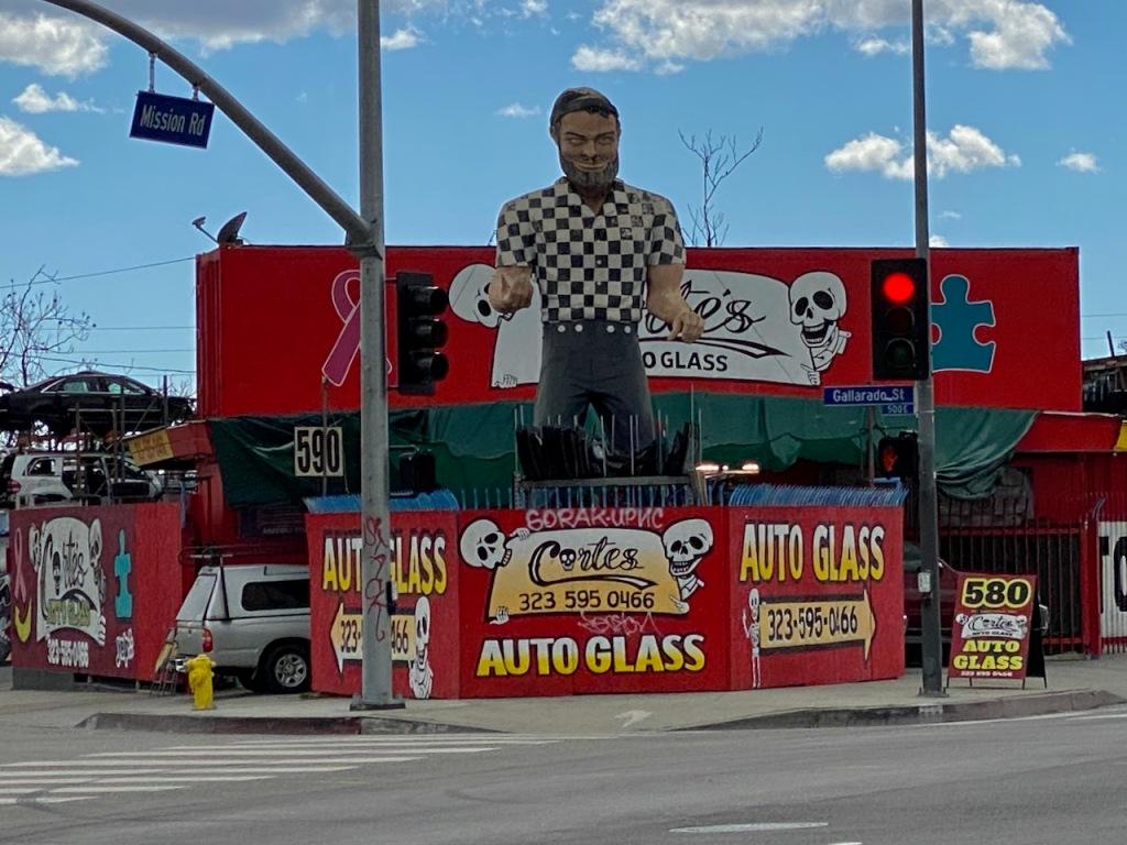 Street Photography: Big Autoglass Man