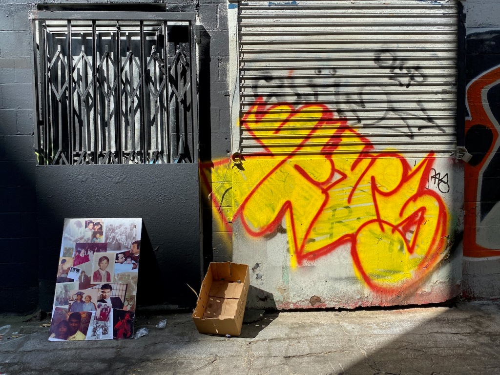 Street Photography: Memorial and Graffiti
