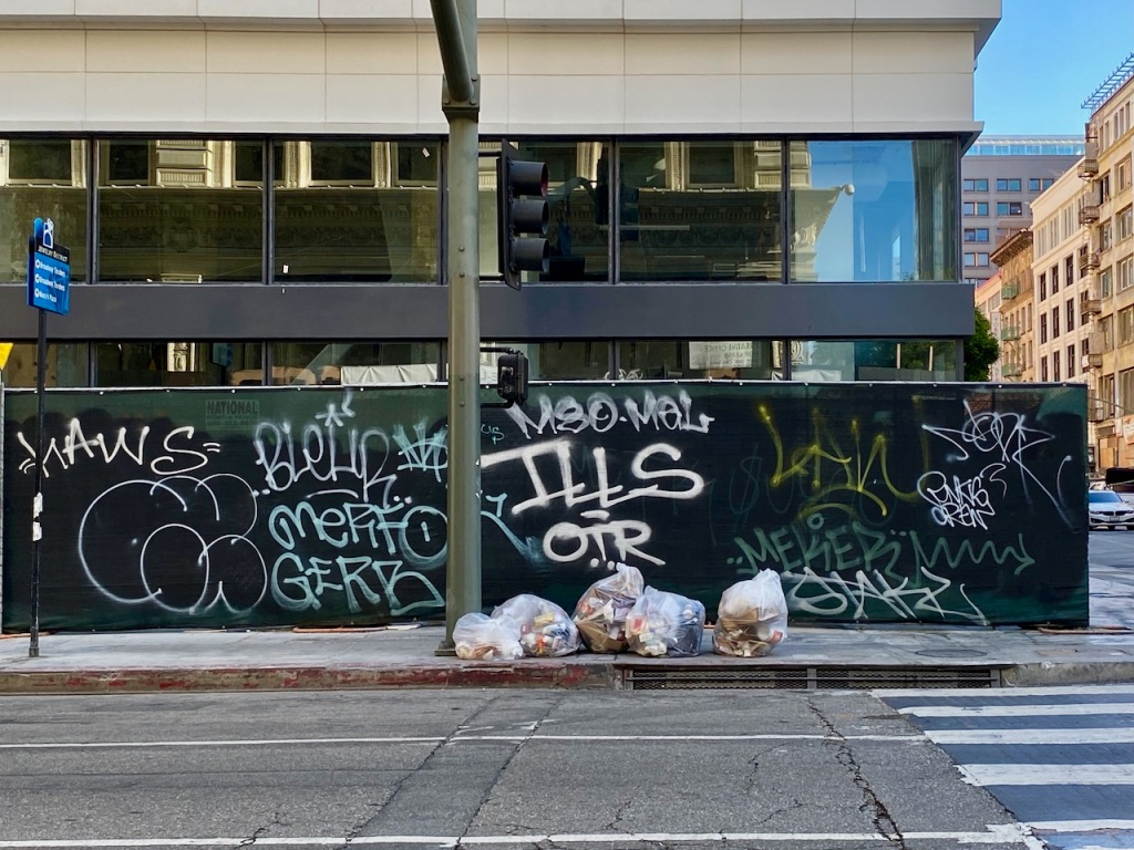 Street Photography: Graffiti and Garbage