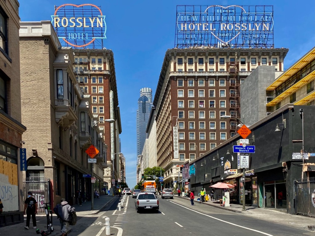 Street Photography: Hotel Rosslyn Hotel
