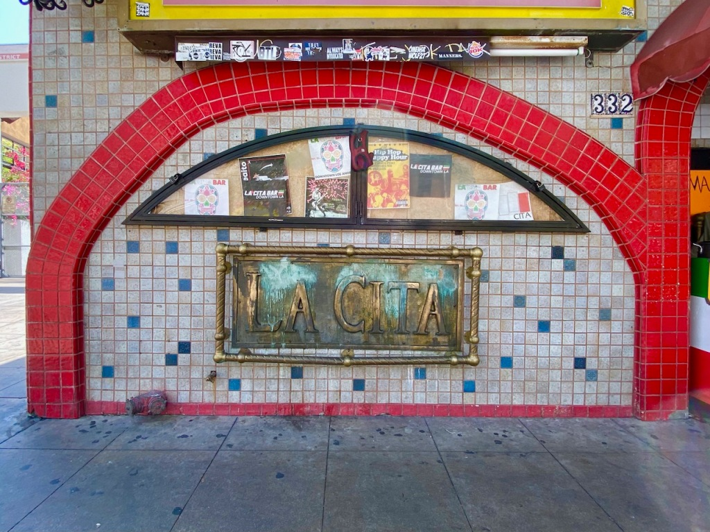 Street Photography: La Cita and Red Arch
