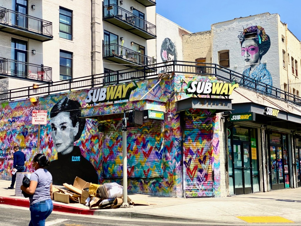 Street Photography: Subway Mural