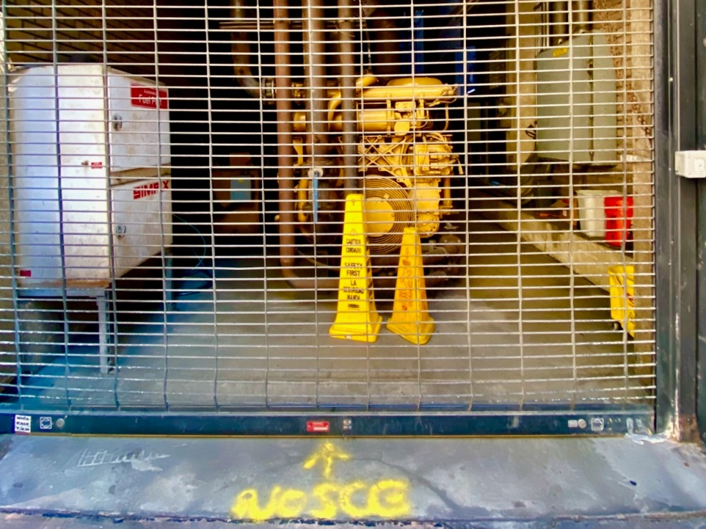 Street Photography: VoSCG Machine