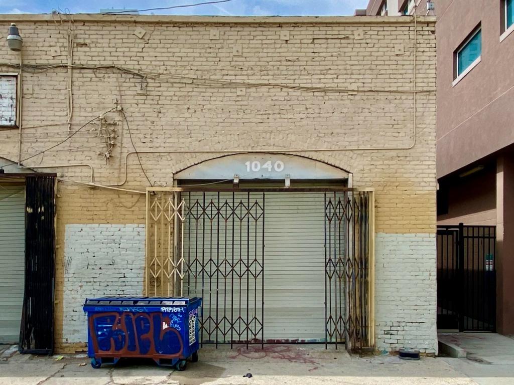 Street Photography: 1040 Storage