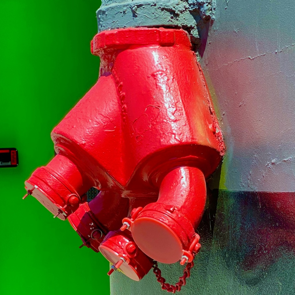 Street Photography: Standpipe with Complementary Background