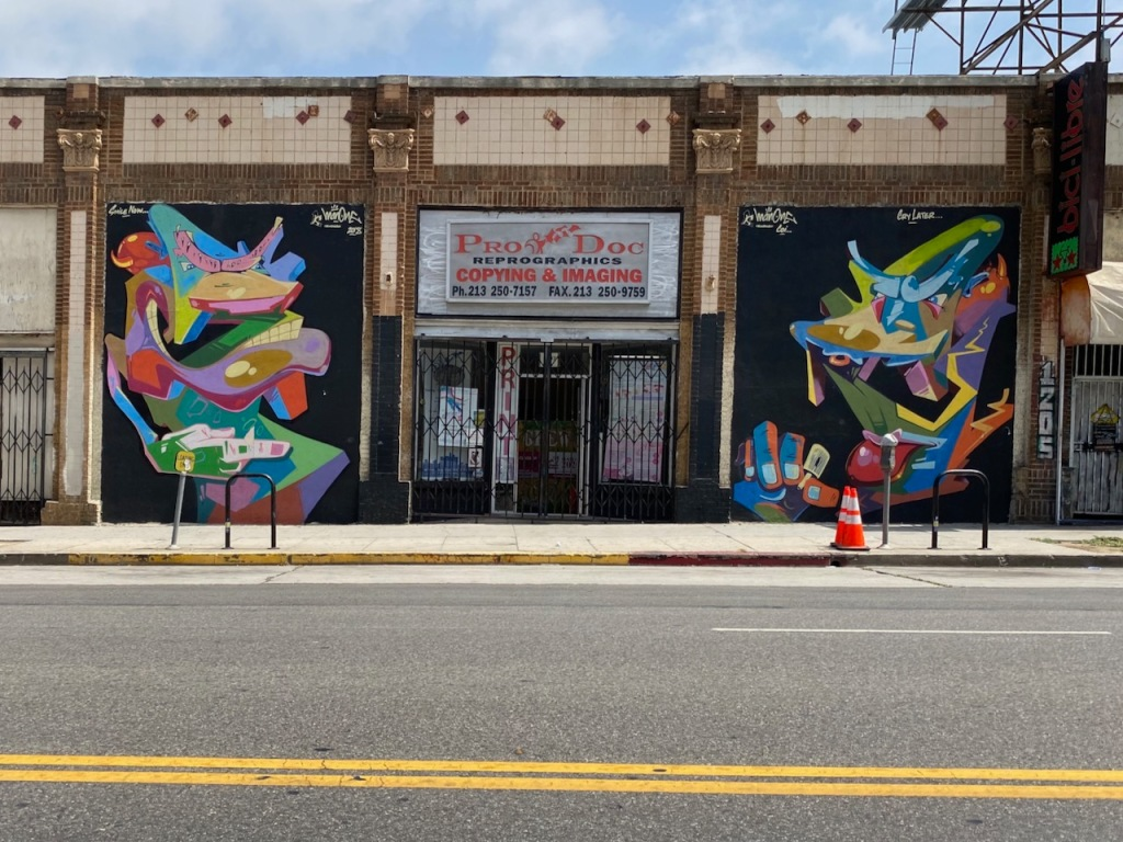 Street Photography: Storefront with Murals