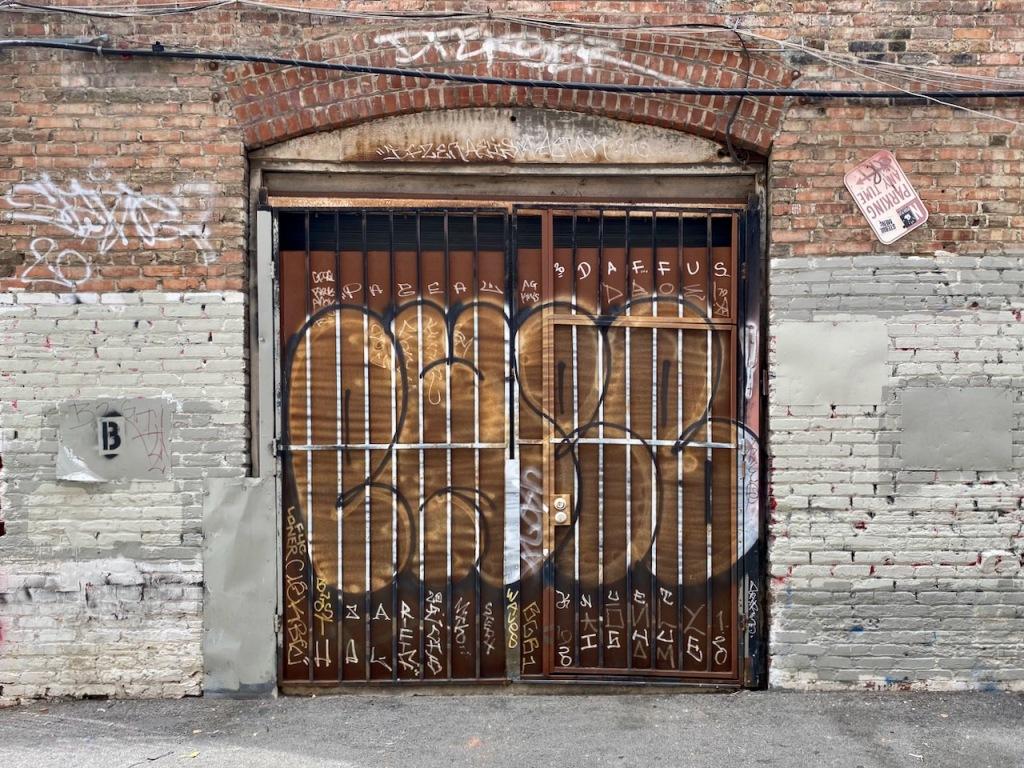 Street Photography: Big and Small Graffiti