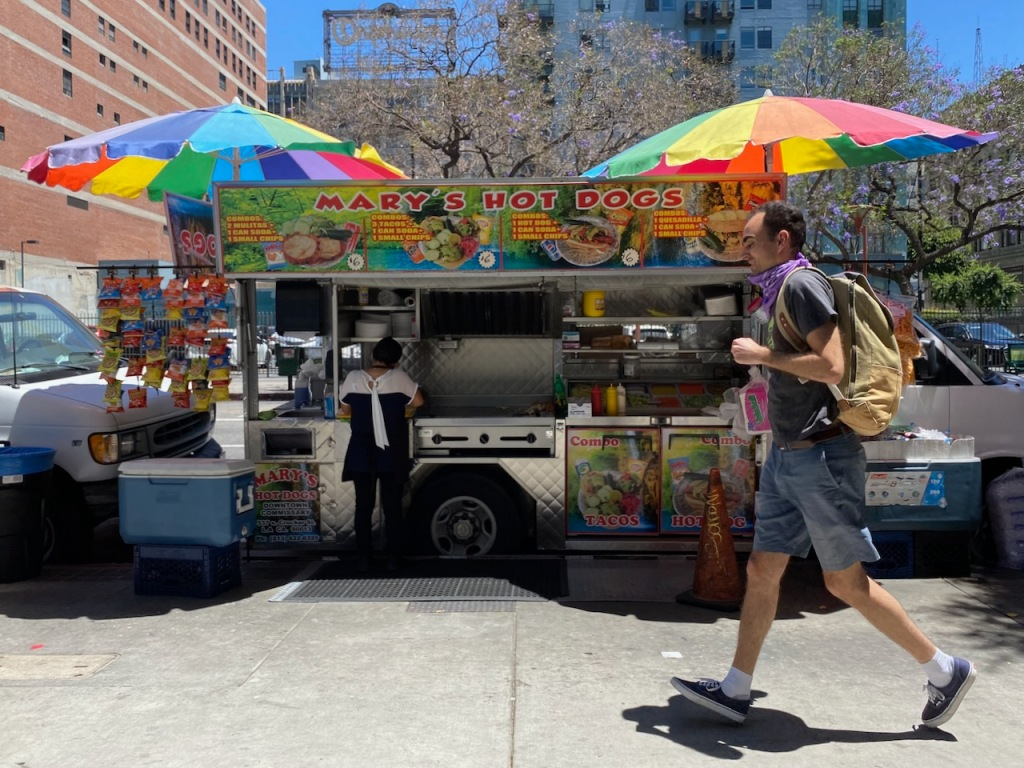 Street Photography: Hot Dog Stand