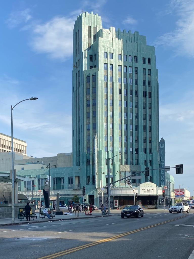Street Photography: Another Blue Building in LA