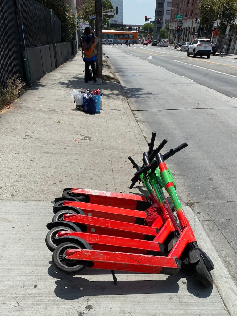 Street Photography: Domino Effect - Scooters