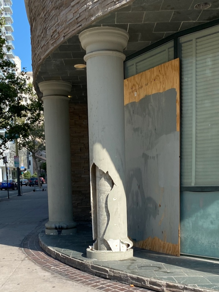 Street Photography: Urban Decay