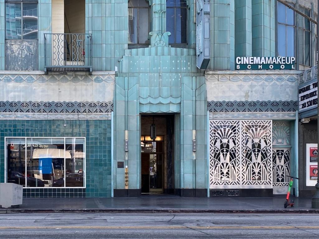 Street Photography: Art Deco Building